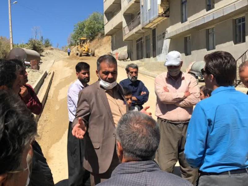بخشدار دینور از پروژه های عمرانی روستاهای سرتخت و کرگسار بازدید کرد
